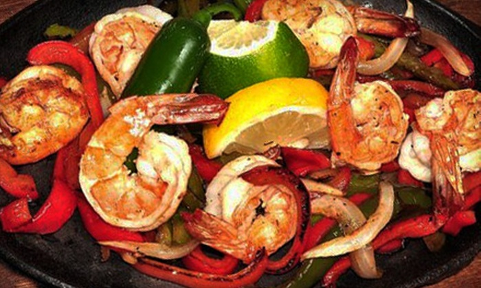 Iguana Wanna - Lakeview: $15 for $30 Worth of Mexican Fare and Drinks at Iguana Wanna