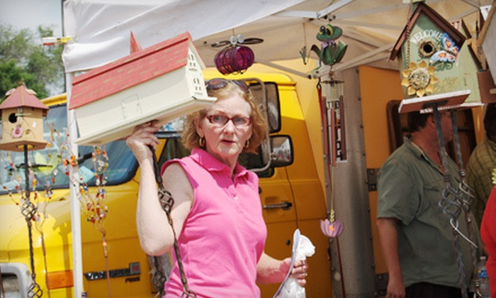 "Gypsy Caravan Market - Bellerive: Early-Bird Entry to the ""Gypsy Caravan"" Market for One or Two on May 28, Valid from 7-9 a.m."