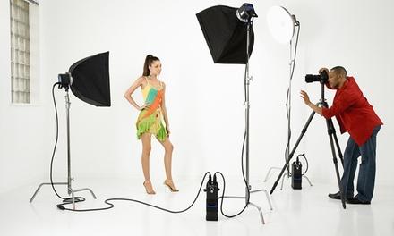 1h30 de shooting photo professionnel en studio avec 1 book, 1 photo retouchée et 1 poster à 22,90 € chez Actuel Studio 3