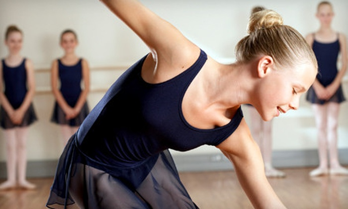 Dynamite Dancerz Dance Studio - Starlite: Seven Weeks of 30-, 45-, or 60-Minute Dance Classes at Dynamite Dancerz Dance Studio (Up to 73% Off)