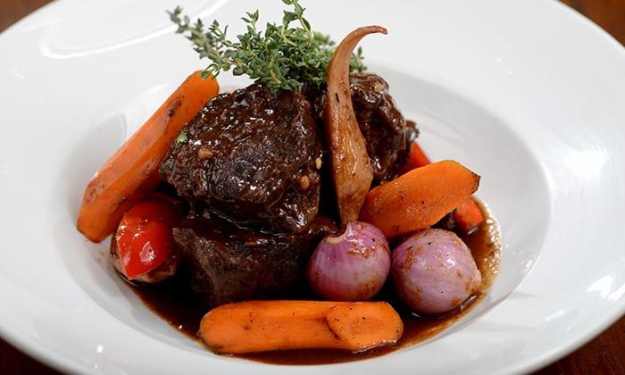 טאפאס אחד העם, מועמדת בקטגוריית מסעדת הטאפאס בתחרות פרסי האוכל של טיים אאוט! רק 55 ₪ לגרופון בשווי 100 ₪ על כל התפריט