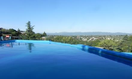 Tanti: desde $499 por 2, 3 o 4 noches para 2 o 4 + desayuno de bienvenida + feriados + late check out en Flor Serrana