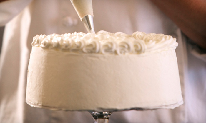 Sweet Wise - Penningtom Bend: $40 for a Two-Hour Buttercream Cake-Decorating Class for Adults or Kids at Sweet Wise ($85 Value)