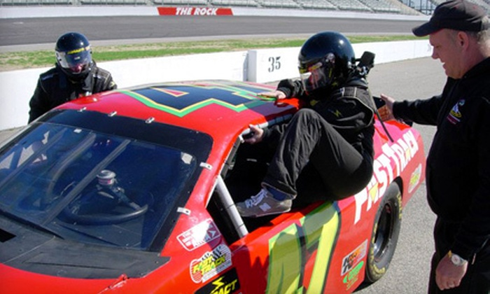 Racecar experience fast track high performance driving for Charlotte motor speedway driving school