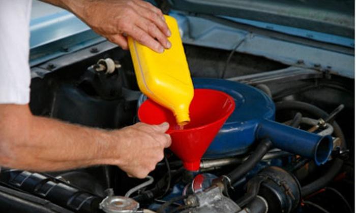 Blue Stream Lube & Oil & Auto Service - Springfield: $14 for a Gift Card at Blue Stream Lube & Oil & Auto Service ($29 Value)