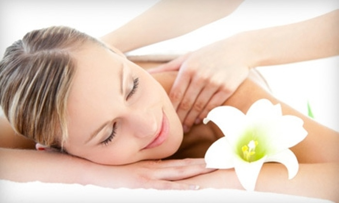Healing Hands Massage - Multiple Locations: $35 for 60-Minute Therapeutic Relaxation Massage at Healing Hands Massage ($75 Value)
