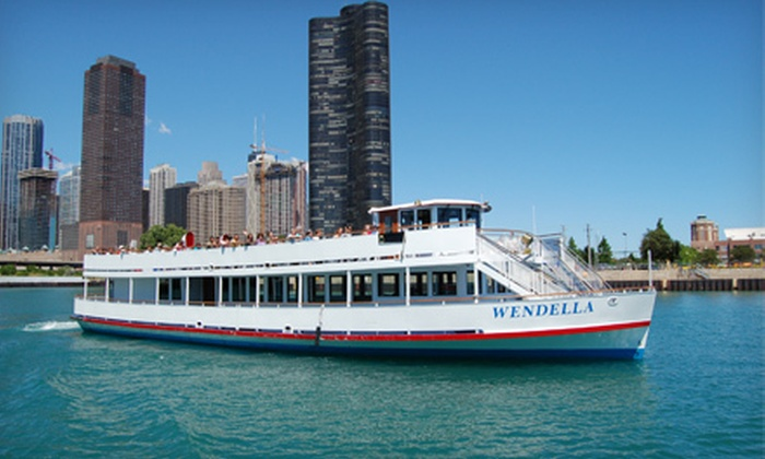 Wendella Boats - Near North Side: $18 for a 75-Minute Chicago River Architecture Tour with Drink from Wendella Boats (Up to $34 Value)