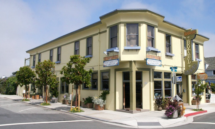 San Benito House  - Half Moon Bay, CA: $75 for a One-Night Stay with Two Welcome Drinks at San Benito House in Half Moon Bay, CA (Up to $186 Value)