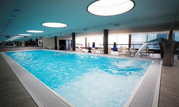 opensky wellness fitness in frankfurt am main groupon. Black Bedroom Furniture Sets. Home Design Ideas