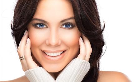Manicura, depilación de cejas y labio superior con opción a pedicura e higiene facial desde 12,99 € en Golden