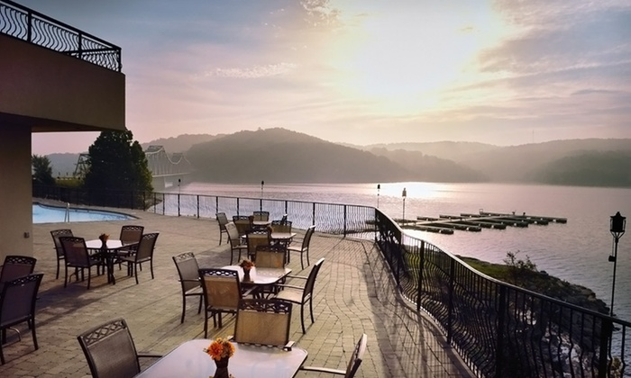 D'Monaco Luxury Villas Resort - Greater Branson, MO: One- or Two-Night Stay at D'Monaco Luxury Villas Resort in Greater Branson, MO