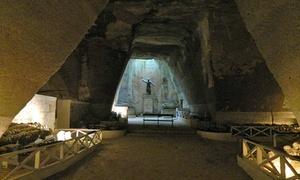 Associazione oltre i resti: Tour antropologico per 2 persone al Cimitero delle Fontanelle con Associazione Oltre I Resti (sconto 65%)