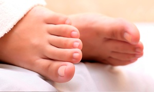 Fresh Beauty Clinic: Laser Nail Fungal Treatment from £39 at Fresh Beauty Clinic (Up to 50% Off*)