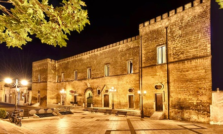 Salento: Castello Conti Filo Resort, fino a 3 notti con colazione, idromassaggio, degustazione e visita guidata per 2