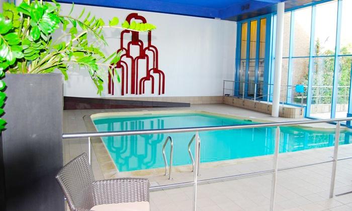 Hampton 39 s hotel namur groupon getaways for Accessoire piscine namur