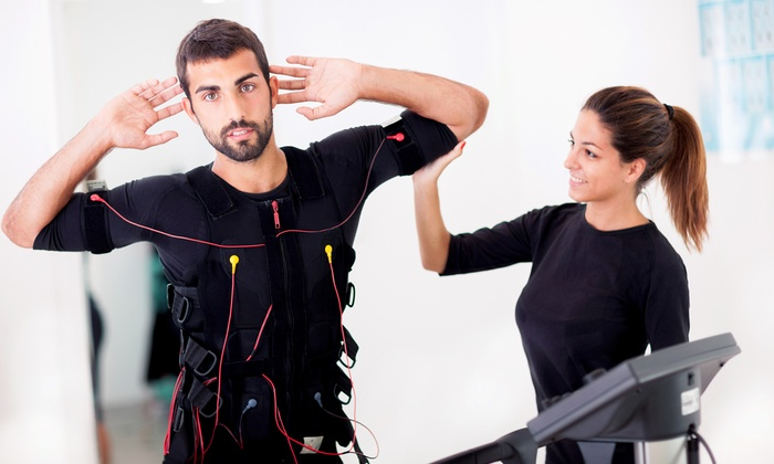 Traine Services GmbH - Mehrere Standorte: 5x oder 10x 20 Min. EMS-Training mit Personal Trainer bei Traine Services GmbH (bis zu 87% sparen*)
