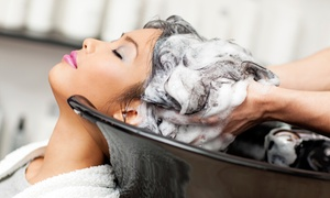 Atelier De Charme: Shampoo, piega con maschera, colore e trattamento all'ozono e olio di Argan all'Atelier De Charme (sconto fino a 78%)