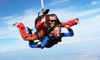 6h de cours de saut en parachute et saut en ouverture automatique pour 1 ou 2 personnes dès 199 € à Skydive Flyzone