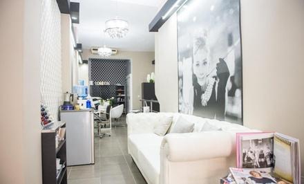Sesión de peluquería con corte, peinado, tto, tinte y/o mechas o alisado de queratina desde 14,90 € en Audrey Style