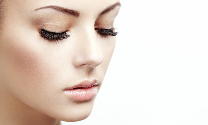Glamour Reigns - DeSoto: Full Set of Eyelash Extensions at Glamour Reigns (55% Off)