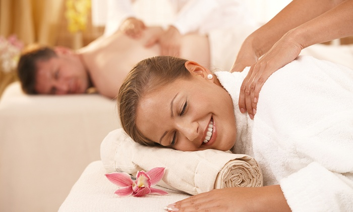 Madison Spa - New York: $76 for a 60-Minute Couples Massage Class at Madison Spa ($140 Value)