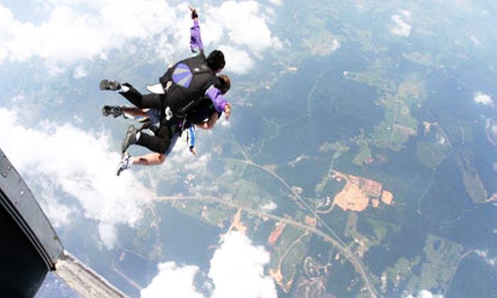 Skydiving San Francisco - Skydiving San Fransisco: One or Two Tandem Skydiving Jumps at Skydiving San Francisco (56% Off)