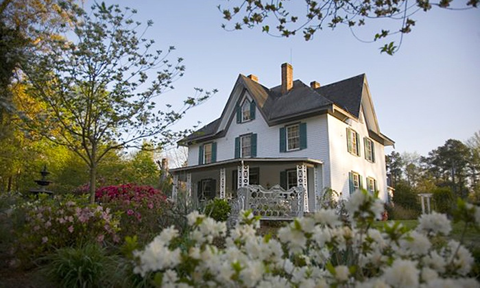 Edgewood Plantation - 1: Historic Architecture Tour of Edgewood Plantation for One, Two, or Four (Up to 64% Off)