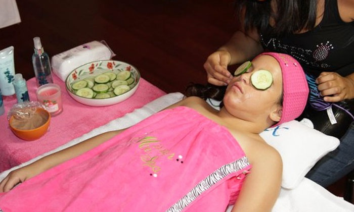 "Mirror Me Spa Parties - Three Lakes: $20 for a Kids' Mani-Pedi and Facial at ""Mirror Me"" Spa Parties ($40 Value)"