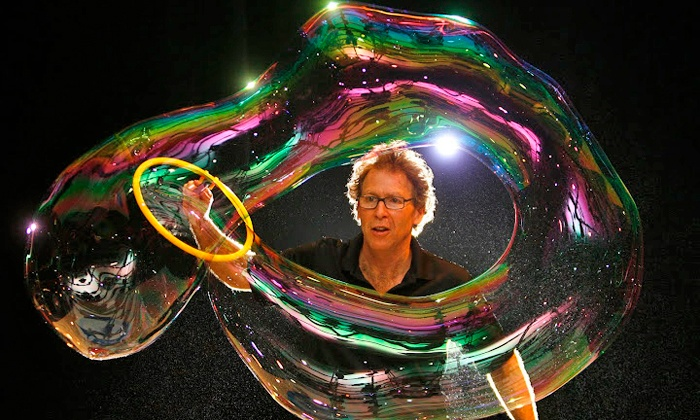 The Amazing Bubble Man - Edgemar Center for the Arts: The Amazing Bubble Man at Edgemar Center for the Arts on March 1 or 2 at 1 p.m. or 3 p.m. (Up to 60% Off)