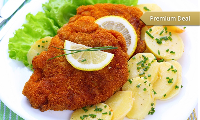 Schiller Restaurant & Cafe - Schiller Restaurant & Cafe: 2 Std. Kegeln mit Schnitzel und Kartoffelsalat für Vier, Sechs, Acht oder Zehn im Schiller Restaurant & Café ab 22,90 €