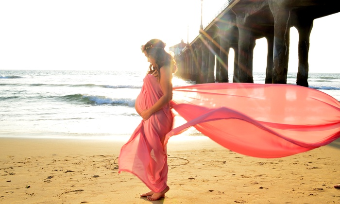 Photography By Yaz - Los Angeles: 30- or 40-Minute Maternity Photo Shoot for One with Prints from Photography By Yaz (Up to 70% Off)