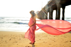 Photography By Yaz: $75 for 40-Minute Outdoor Maternity Photo Shoot for One with Prints from Photography By Yaz ($200 Value)