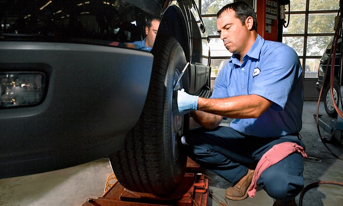 North Metro Motors - Ham Lake: $19.99 for an Oil Change with 32-Point Inspection at North Metro Motors ($35.95 Value)