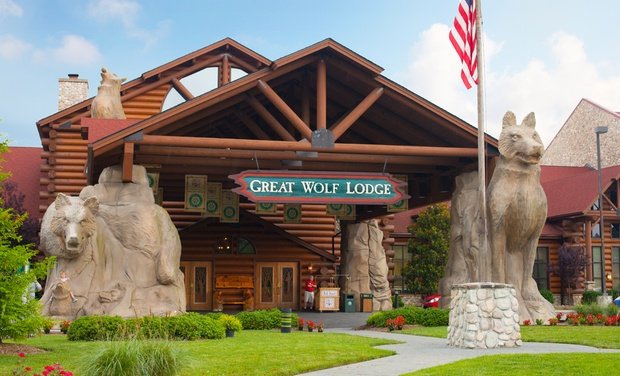 Great Wolf Lodge Williamsburg - Williamsburg, VA: Stay with Daily Water Park Passes and Resort Credit at Great Wolf Lodge Williamsburg in Virginia. Dates into November.