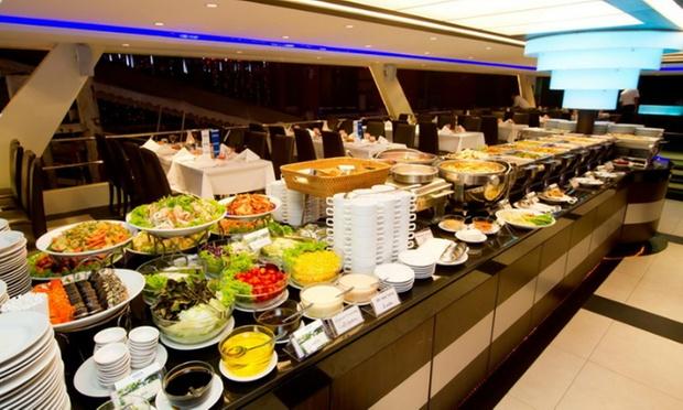 Bangkok: Dinner Cruise on Chao Phraya 4
