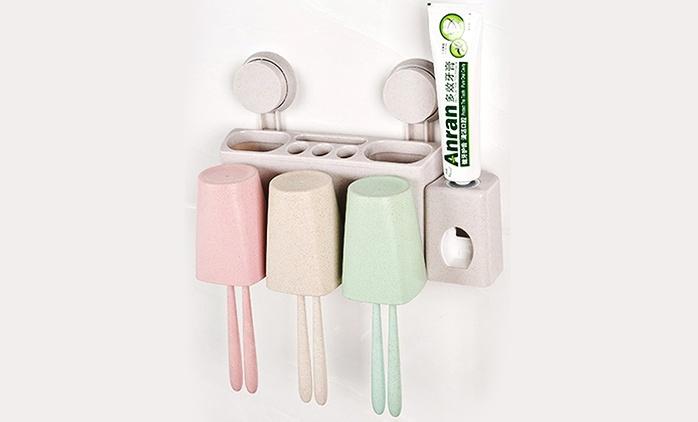מתקן תליה עם מקום אחסון למברשות ולמשחת שיניים