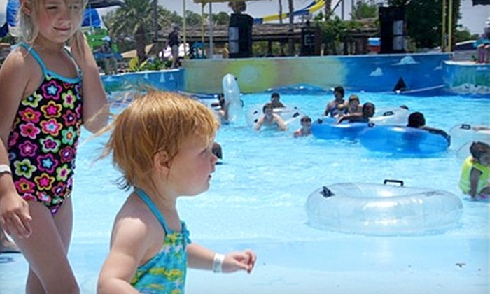 Splashway Waterpark  - Sheridan: $10 for a General-Admission Ticket to Splashway Waterpark in Sheridan (Up to $19.95 Value)