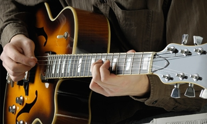 Lincoln Guitar Lessons - Antelope Park: $35 for One Month of Lessons at Lincoln Guitar Lessons ($72 Value)