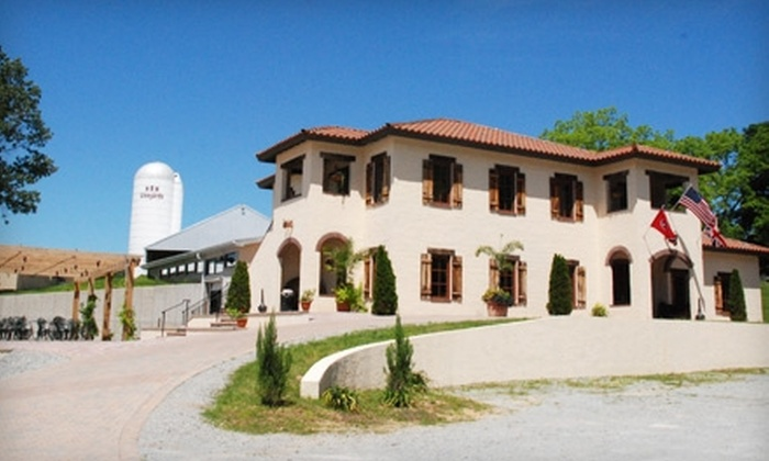 The Crown Winery - Humboldt: $20 for a Winery and Vineyard Tour, a Wineglass, and a Bottle of Wine at The Crown Winery in Humboldt (Up to a $40 Value)