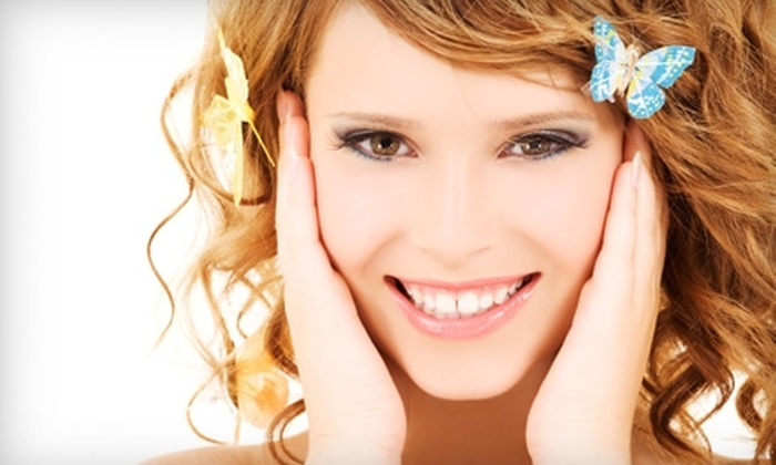 Hair's the Thing - Rehoboth Beach: $59 for a Custom Facial and Oxygenating Treatment at Hair's the Thing in Rehoboth Beach ($125 Value)