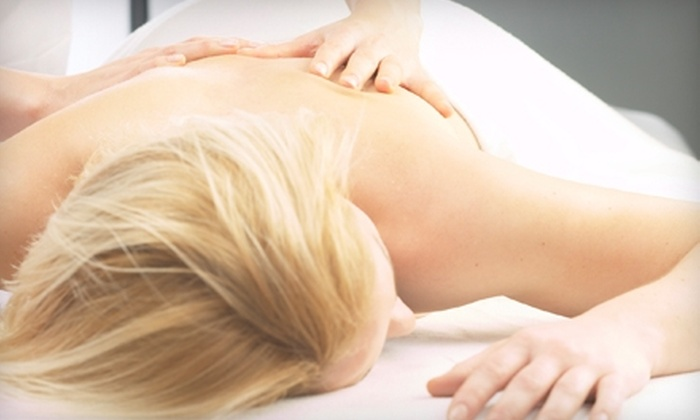 Parker Chiropractic - Eastside: $35 for a One-Hour Swedish Massage and 30-Minute Performance Evaluation at Parker Chiropractic ($195 Value)