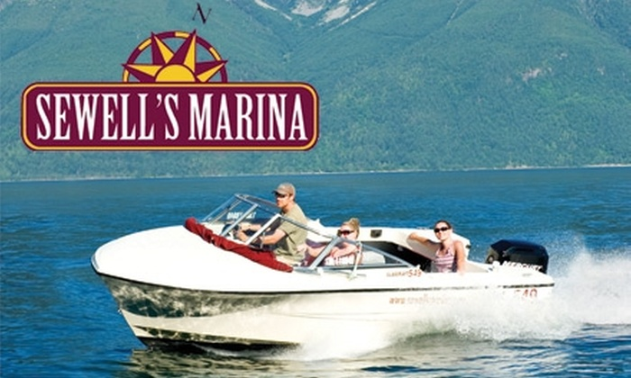 Sewell's Marina - Horseshoe Bay: $30 for a One-Hour Boat Rental from Sewell's Marina