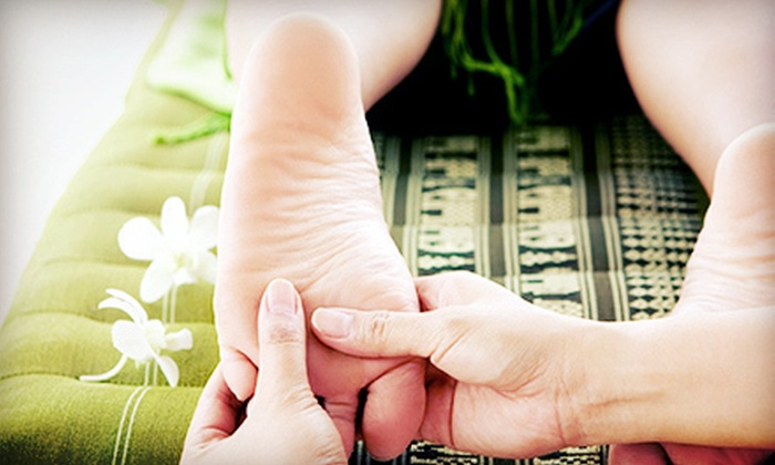 Joy Foot Massage & Reflexology - Pasadena: $22 for a 60-Minute Upper Body and Foot Massage at Joy Foot Massage & Reflexology ($45 Value)