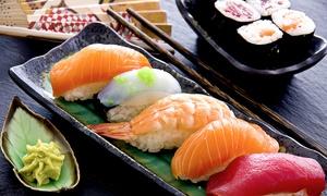 Hello Sushi: 3-Gänge-Sushi-Menü für 2 oder 4 Personen mit Miso-Suppe, Sushi-Platte und gebackener Banane bei Hello Sushi ab 15,90 €