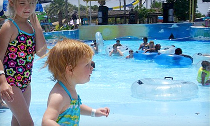 Splashway Waterpark - Weimar: $10 for a General-Admission Ticket to Splashway Waterpark in Sheridan (Up to $19.95 Value)