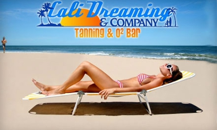 Cali Dreaming & Co. - South Riding: $30 for One Month of Unlimited Tanning or Two Spray Tans at Cali Dreaming & Company in South Riding