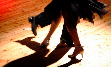 Eight Beginner Latin Dance Classes: Available Combos Salsa and Bachata, or Cha Cha Cha and Mambo (Up to 80% Off)
