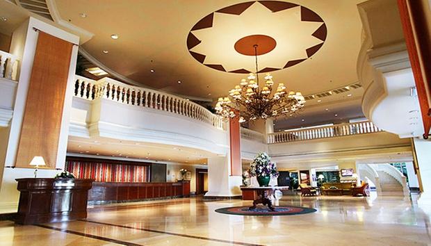 Malacca: Equatorial Hotel + Coach 6