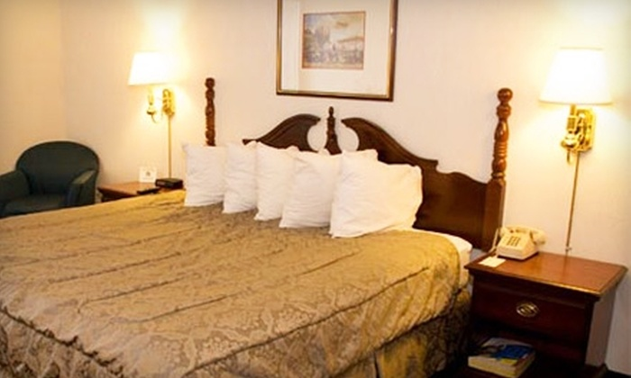 Executive Plaza Hotel - Wheeling: $39 for a One-Night Stay at the Executive Plaza Hotel in Wheeling (Up to $89 Value)