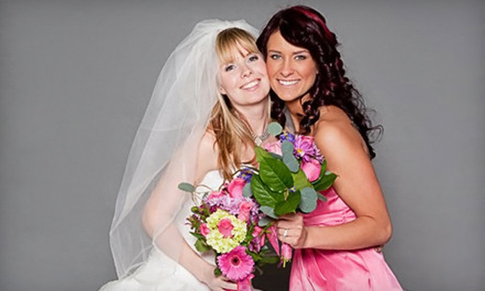 Icon Photo Booth - Congress Park: $499 for a Four-Hour Photo-Booth Rental from Icon Photo Booth ($1,145 Value)